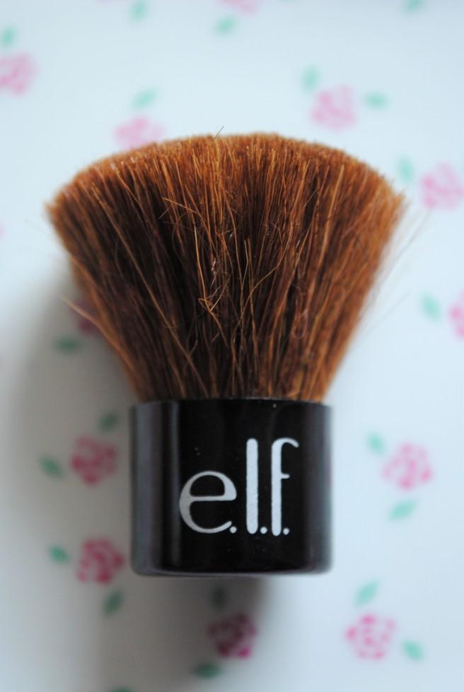 elf bronzed beauty kabuki četkica