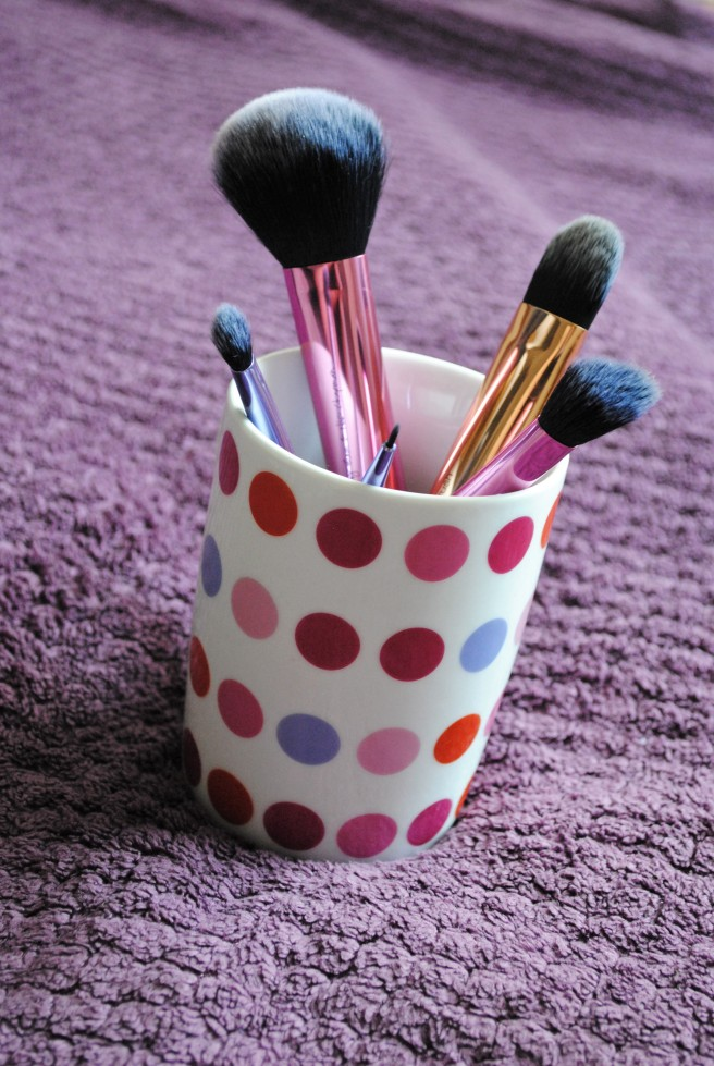 real techniques deluxe make up brush set