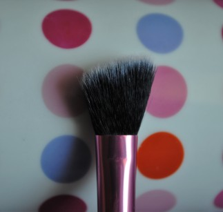 real techniques deluxe set angled highlighter brush 1