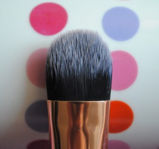 real techniques deluxe set tappered foundation brush