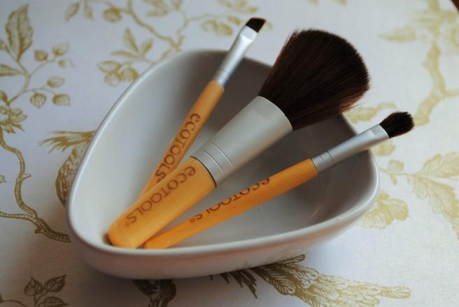 ecotools travel set četkice za šminkanje