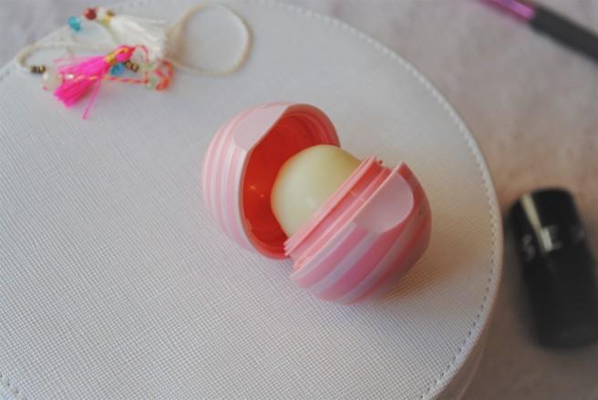 eos balzam za usne visibly soft coconut milk recenzija.jpg