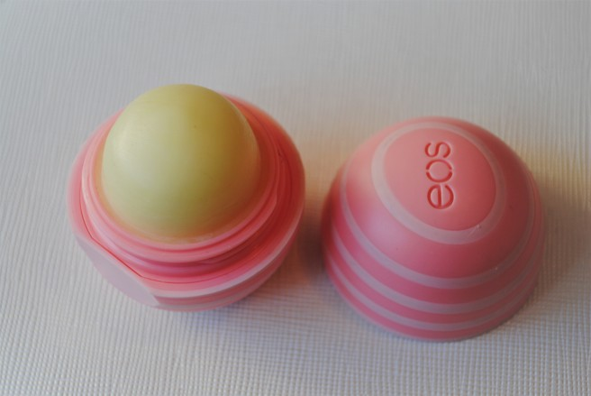 eos-visibly-soft-lip-balm-recenzija