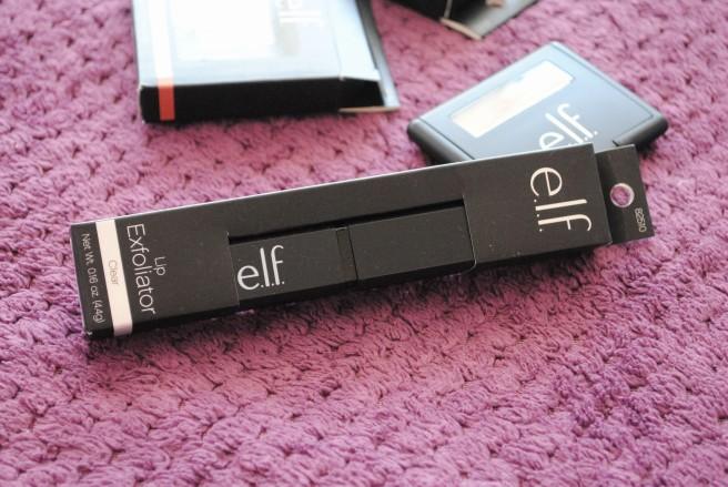 elf lip exfoliator piling za usne.jpg